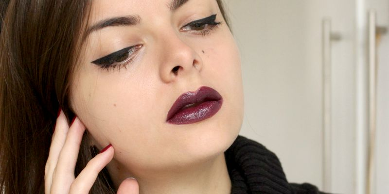 Dark Lipstick Application Tips