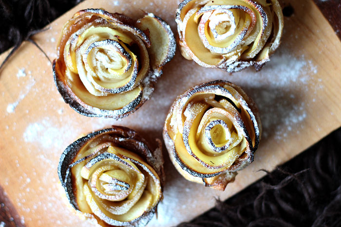 Snowy Gingerbread Apple Roses