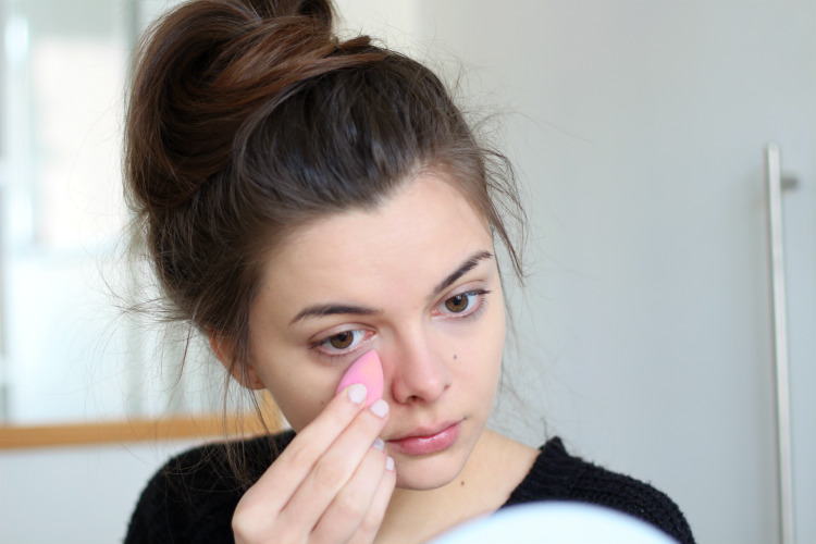 how to use makeup egg sponge