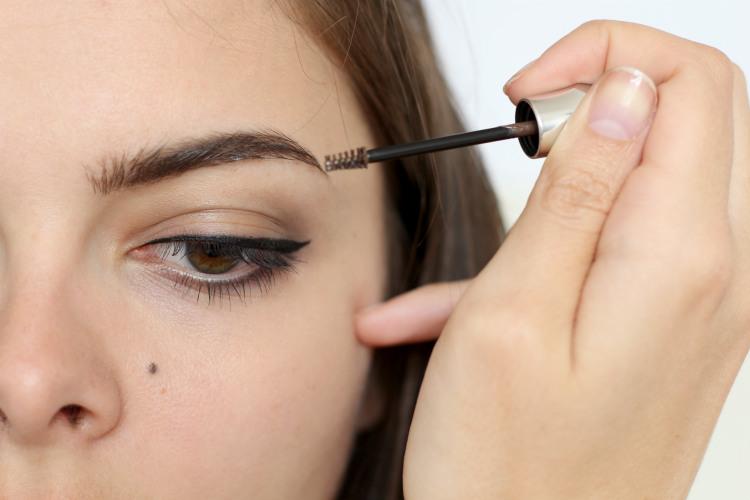 benefit brow 8