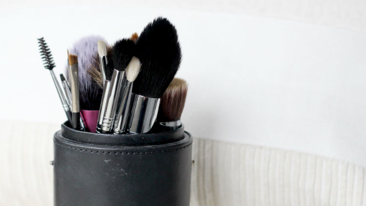 10 Holy Grail Makeup Brushes