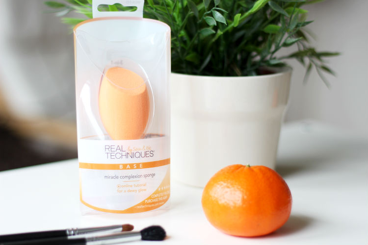 real techniques makeup sponge. real techniques is of course the makeup tool brand sam and nic chapman, pixiwoo sisters on youtube. it\u0027s an immensely popular rightfully so sponge n