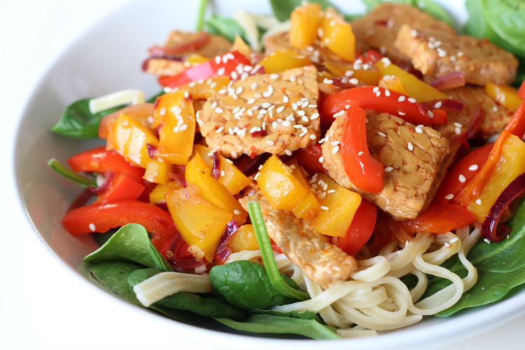 Spicy tempeh noodle recipe (vegan)